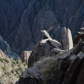 Jeff  Swan - Gunnison river winding through the Black canyon