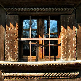 Daliana Pacuraru - Handmade Wood Window
