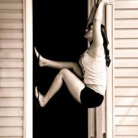 Nikki Rosenberg - Hanging Out