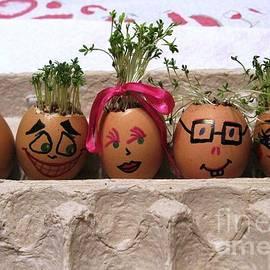 Ausra Paulauskaite - Happy Eggmen Family Easter Series