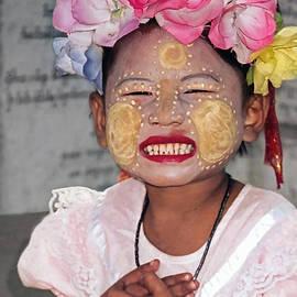 Jennie Breeze - Happy Face-Cambodia
