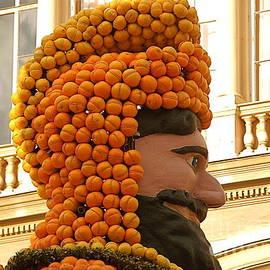 France  Art - Happy King Orange Head