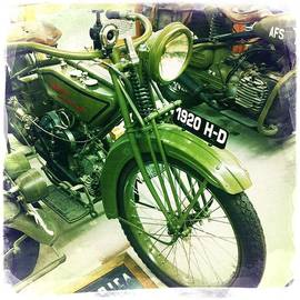Nina Prommer - Harley Davidson