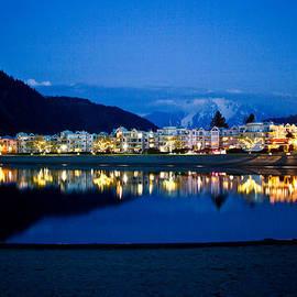 Eti Reid - Harrison hot springs resort at night