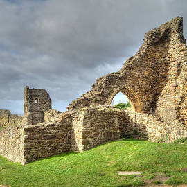Diana Mower - Hastings Castle Ruins