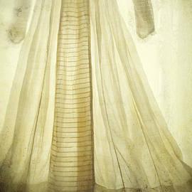 Rachel Turner - Haunted
