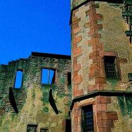 Maria Huntley - Heidelberg Castle Walls