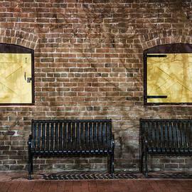 Dave Dilli - Heritage Square Phoenix Vintage Benches