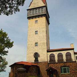 Karol  Livote - Heublein Tower