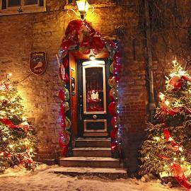 Alex Khomoutov - Holiday in Quebec City - Rue du Petit Chaplain Lights