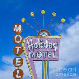 Nina Prommer - Holiday Motel