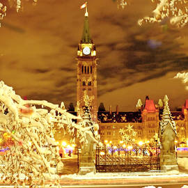 Alex Khomoutov - Holiday Ottawa - Parliament and Peace Tower Night Lights