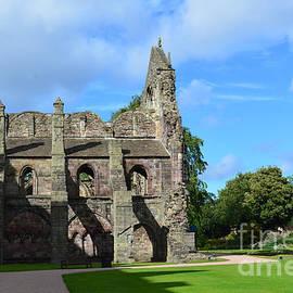 DejaVu Designs - Holyrood Abbey in Edinburgh Scotland