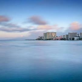 Tin Lung Chao - Honolulu Waikiki early morning