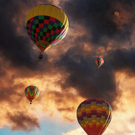 Glenn McCarthy - Hot Air Balloons - Chasing The Horizon