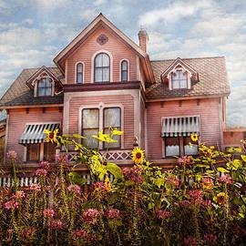 Mike Savad - House - Victorian - Summer Cottage