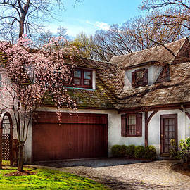Mike Savad - House - Westfield NJ - Who doesn