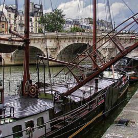 Nikolyn McDonald - Houseboat on the Seine