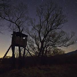 Milan Gonda - hunting lookout