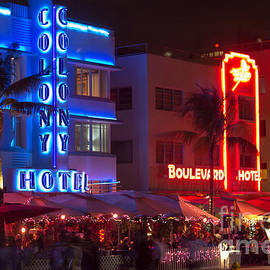 Rene Triay Photography - Iconic Colony Hotel South Beach