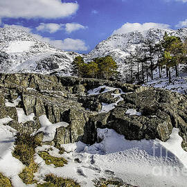 Darren Wilkes - Idwal At Winter