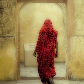 Neville Bulsara - India The Woman in Red Jaipur Rajasthan