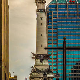 Indiana - Monument Circle with State Capital Building