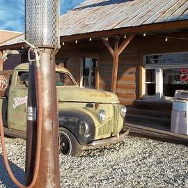 Glenn McCarthy Art and Photography - Is That You - Route 66 California