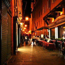 Maggie Vlazny - Italy Night City Scene
