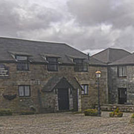 Terri  Waters - Jamaica Inn Bodmin Moor