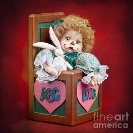Cindy Singleton - Jill in the Box