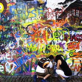 Joanna Madloch - John Lennon Wall