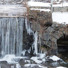 Stroudwater Falls Photography - Just a little snow and ice in November.