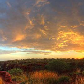 Nolan White - Karijini Panorama Sunrise