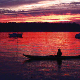 Kym Backland - Kayaker at Night it is a delight