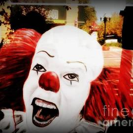 Kelly Awad - Killer Clowns on the Loose