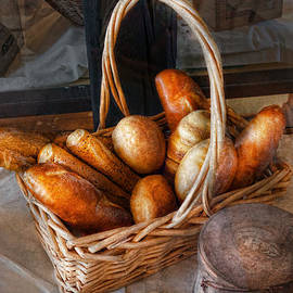 Mike Savad - Kitchen - Food - Bread - Fresh bread