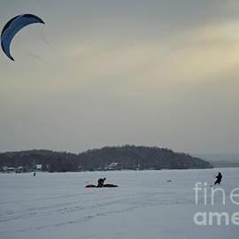 Elaine Mikkelstrup - Kite Skiing