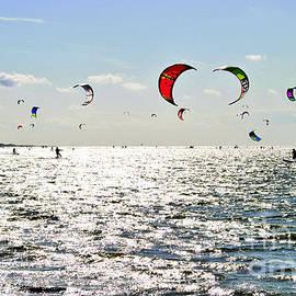 Maja Sokolowska - Kitesurfing in the sun