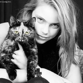 Stwayne Keubrick - Kitten eyes