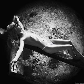 Ramon Martinez - La Crucificada y la Luna