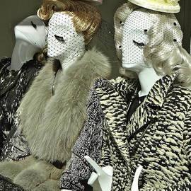 Ira Shander - Ladies A La Mode