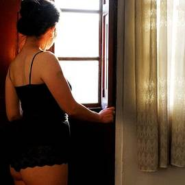 Alessandro Pinto - Lady by the Window