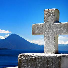 Nancy E Stein - Lago de Atitlan