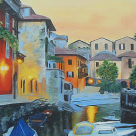 Sue Birkenshaw - Lake Como at Sunset