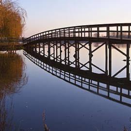 Alexandre Martins - Lake Footbridge