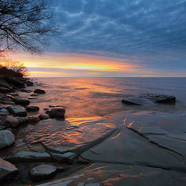 Tracy Welker - Lake Ontario at sunset
