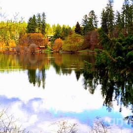 Ana Lusi - Lake Spokane