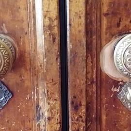 Mark Victors - Landmark Double Doorknobs