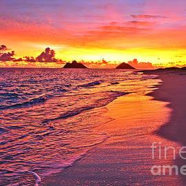 Eric Evans - Lanikai Beach Winter Sunrise Rays of Light